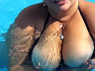 Public naked big Boobs in pool