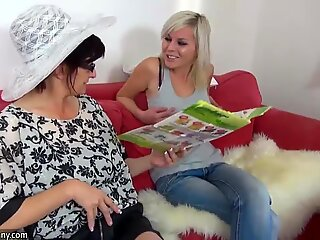Oldnanny grannies and teen is playing with different sextoy