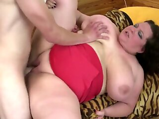 humungous mature mother suck and screw not her sonny
